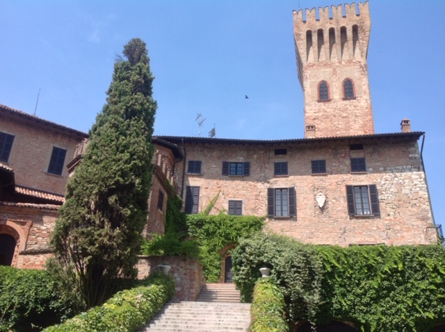 Cigognola welcome to the castle