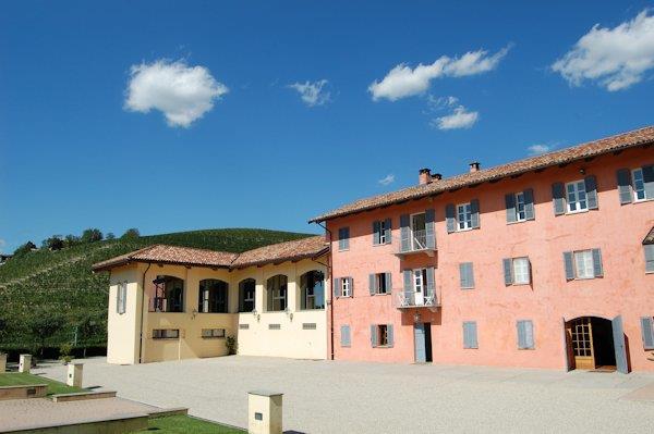la Martinega Farmhouse Welcome to the Castle